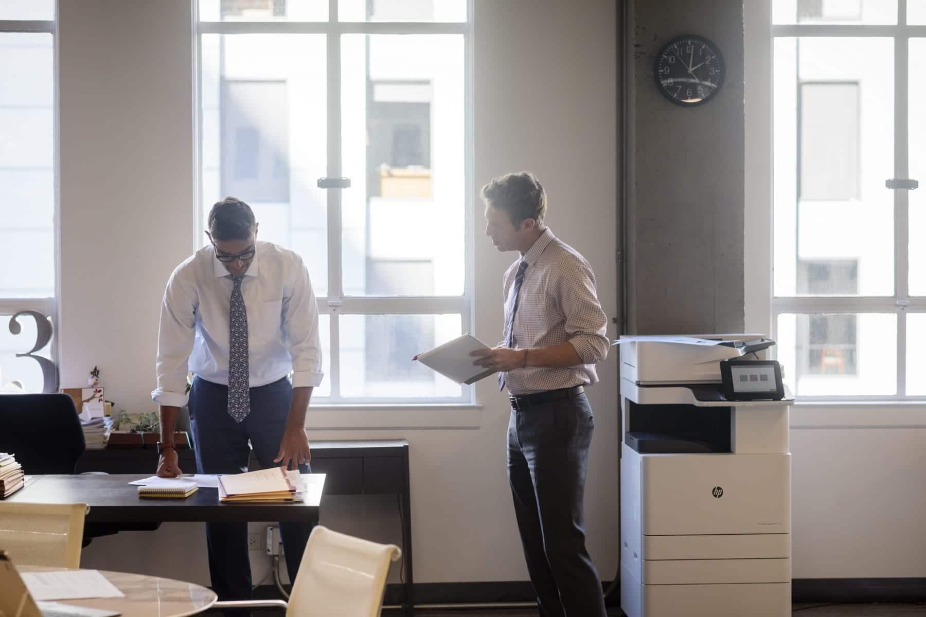 Wenn Firmen einen neuen Kopierer suchen, fällt die Auswahl oft schwer. Mit wenigen Tipps & Trick helfen wir Ihrer Firma bei der Auswahl.