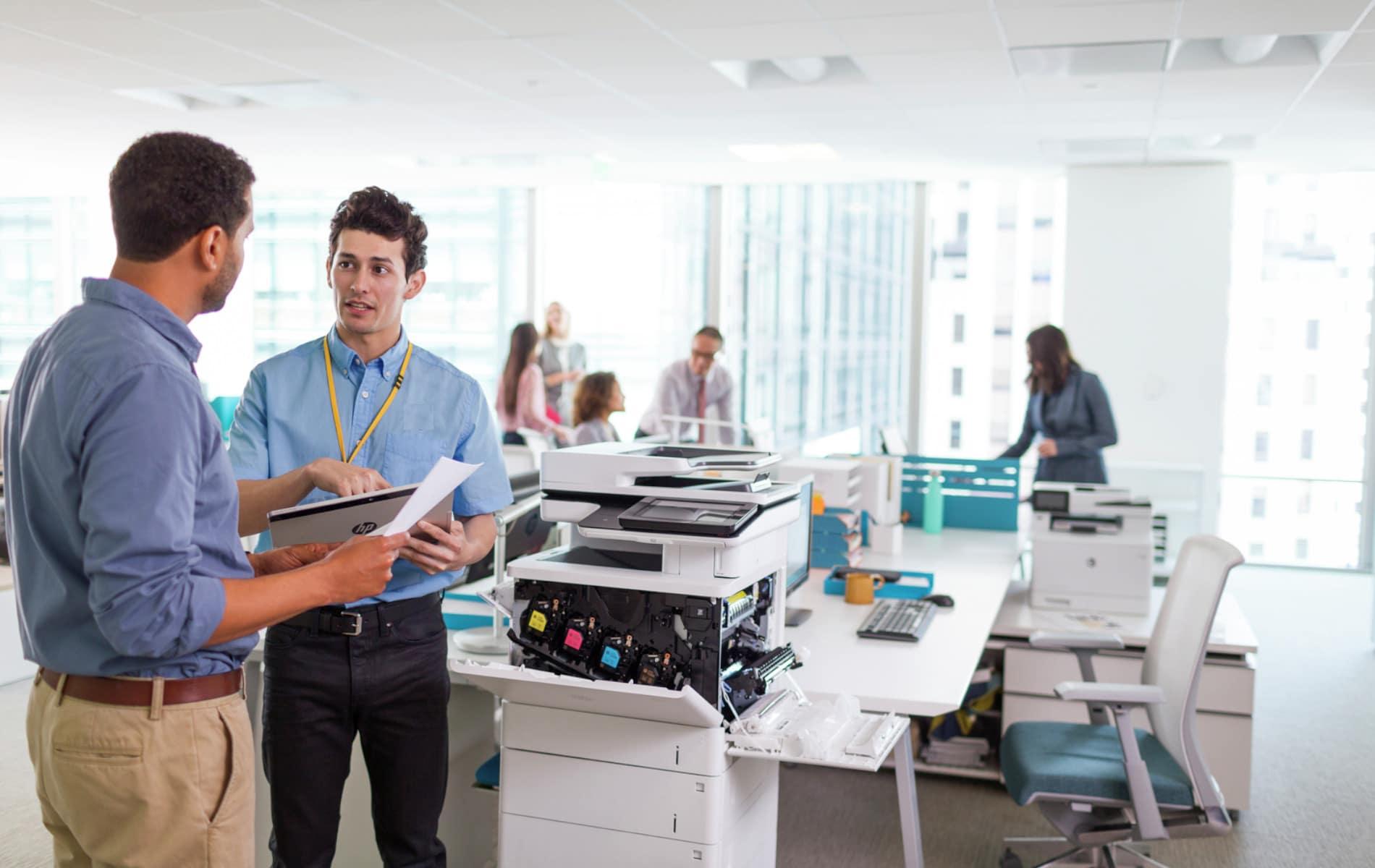 Zeigt der Drucker oder Kopierer offline an, hat das viele Ursachen. Mit einigen Tipps lässt sich der Fehler schnell behebn.