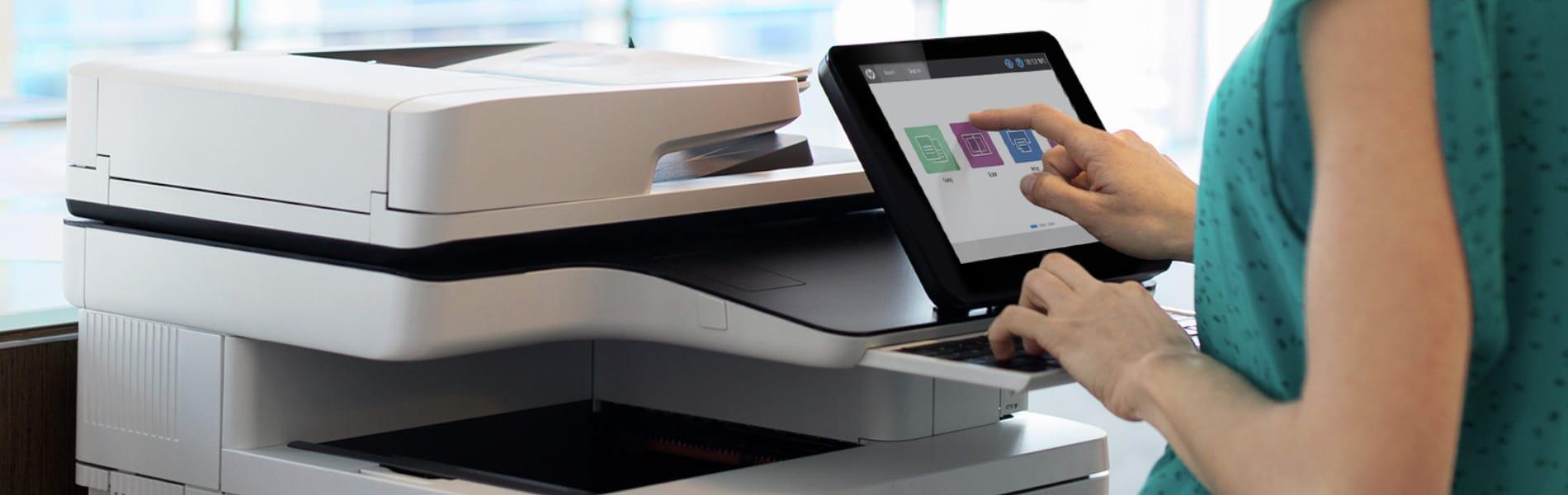 Eine Festplatte in Drucker oder Kopierer stellen oftmals ein Sicherheitsrisiko dar. Wir zeigen Ihnen, wie Sie Ihre Daten schützen und sicher löschen!